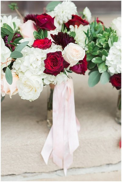 Omaha-and-Lincoln-Nebraska-Wedding-planner-and-burgundy-and-blush-florals-by-Lindsay-Elizabeth-Events23