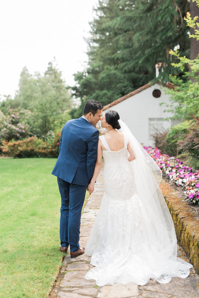 California bride and groom at Hacienda de las Flores Moraga California