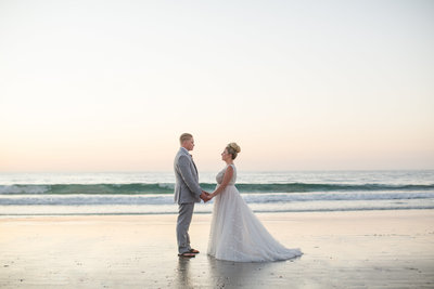 Intimate Oahu Wedding Photos-64