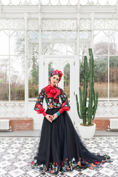 Frida-Kahlo-inspired-Mariachi-embroidered-flower-jacket-JoanneFlemingDesign-RobertaFacchiniPhoto (3)