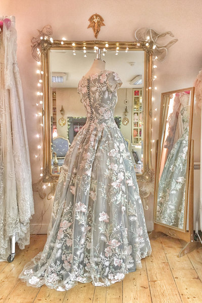 embroidered_floral_wedding_dress_JoanneFlemingDesign_6