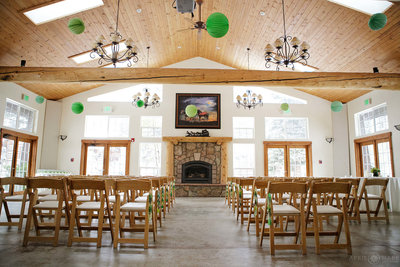 Indoor-Wedding-Ceremony-at-Meadow-Creek-Lodge-&-Event-Center-in-Colorado