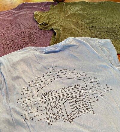 Baker's Station T-Shirts Cropped