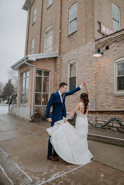 Appleton Wisconsin Wedding Couple