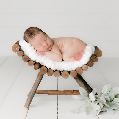 Newborn Photographer - Studio Newborns - Newborn Photography - Taylor Howard Photography