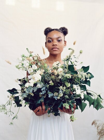 fashion-bridal-session-Natalie-Jayne-photographer-Photography-bride-wedding-dress-virginia-cultivate-event-co-florals-greenery-richmond44