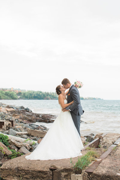 Duluth Minnesota Wedding  At Greysolon photographed by Kirsten Shelton