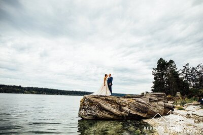 Kiana Lodge is a wedding venue in the Seattle area, Washington area photographed by Seattle Wedding Photographer, Rebecca Anne Photography.