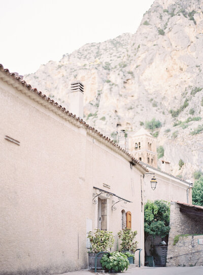 Soft pink residence in the Provence village of Moustiers-Sainte-Marie