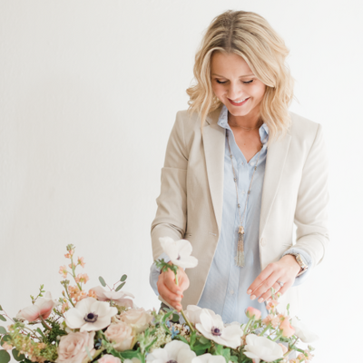 Seattle-Florist-Kate-Clodfelter-Leigh-and-Mitchell-Design-Assistant