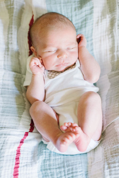 brill-lifestyle-newborn-portrait-session-ms-02