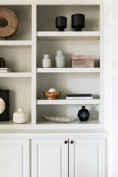 shelving-decor-accessories-onyxandalabaster
