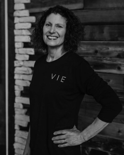 laurie-southhill-yoga-vie-athletics-092-BW