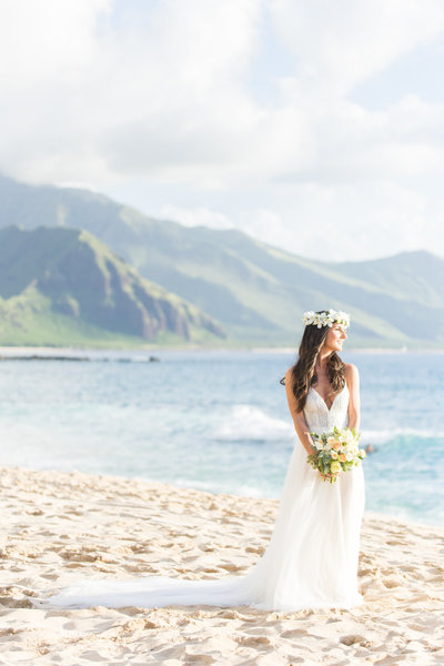 Oahu beach wedding in Hawaii.