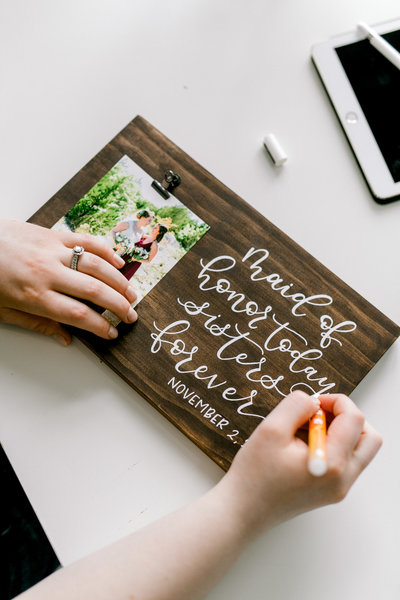 Elizabeth Gladney Creative Co is a wedding calligrapher in dallas texas