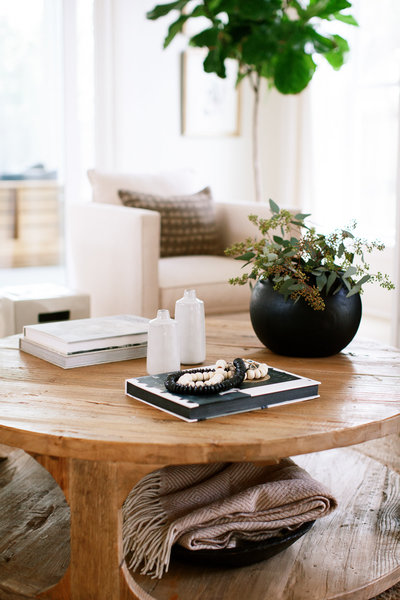 Create a relaxed, clutter-free home that is welcoming, peaceful, and beautiful.