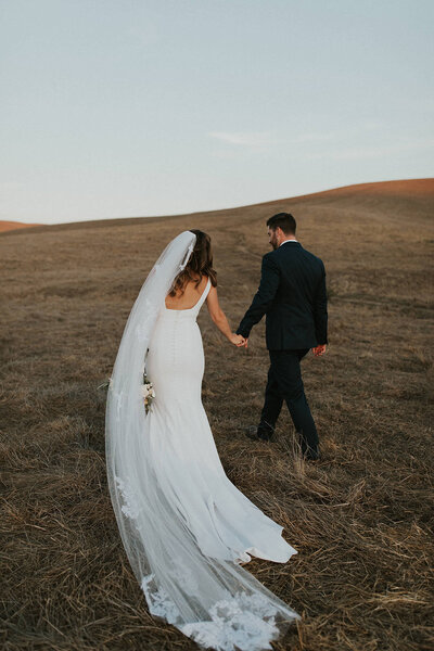 ToniGPhoto_Jessica&Chris_Olympia_Valley_Estate_Wedding-SNEAKS-22 (1)