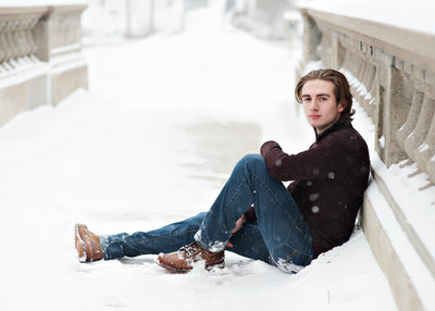 senior pictures taken in the winter in Eaton Rapids by lansing photographer Rebecca Houlihan