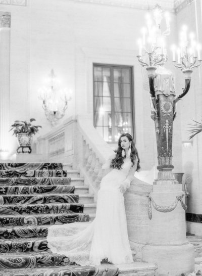 Luxury historic hotel 1940s wedding inspiration shoot with Oscar de La Renta Jewelry and Rara Avis wedding dress