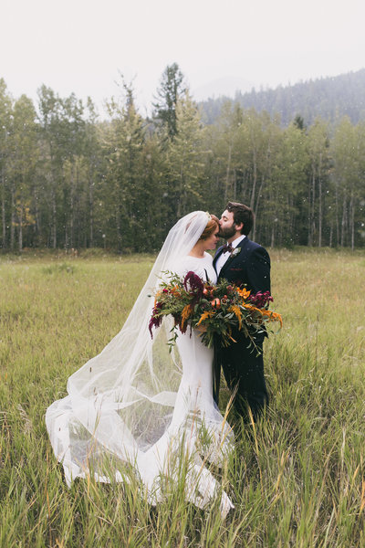 Jennifer_Mooney_Photography_Abbey_Stephen_Fall_Winter_Glacier_Park_Elopement-60