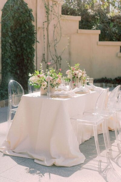 Swan House wedding with ghost chairs