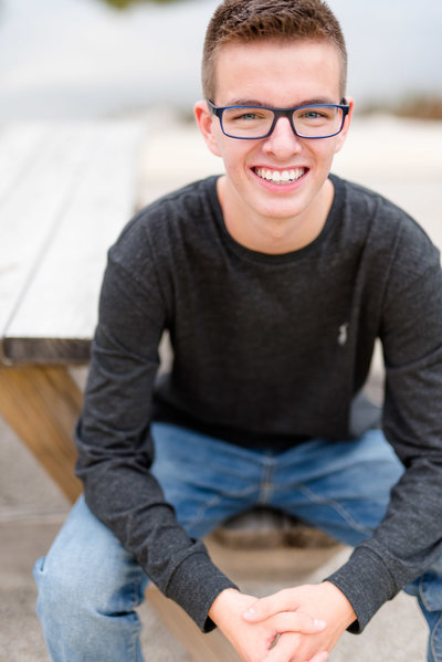 Senior-Pictures-Guy-Sitting