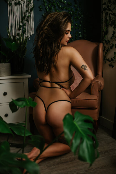 Riley Laurel Boudoir is a luxury boudoir experience located in Kamloops, British Columbia. Book your session today and save $150 off your session fee. We provide boudoir sessions for all bodies and every body.