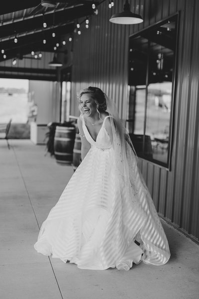 Hayley Paige WEDDING PHOTOGRAPHER