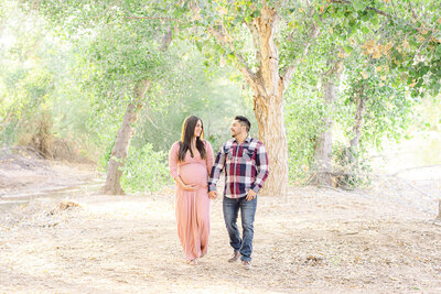 Maternity Photos in Phoenix Arizona - Phoenix Maternity Photographer - Atlas Rose Photography AZ01