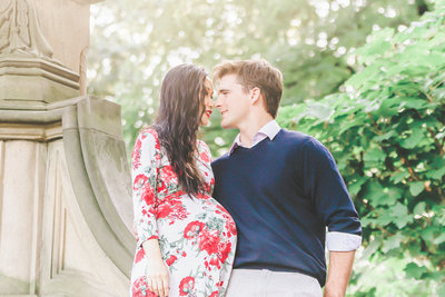 Dreamcatcher Rose Studios - Maternity - central park nyc - maternity couple kissing