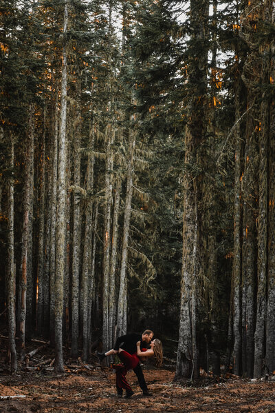 mount-hood-mountain-cabin-woods-elopement-forest-oregon-pnw-wedding-photographer0912-Edit