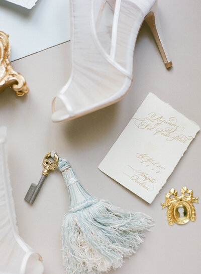 Bride details, shoes, keys