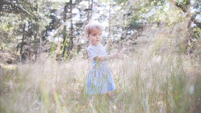 Toddler-Girl-Outdoor-Photography