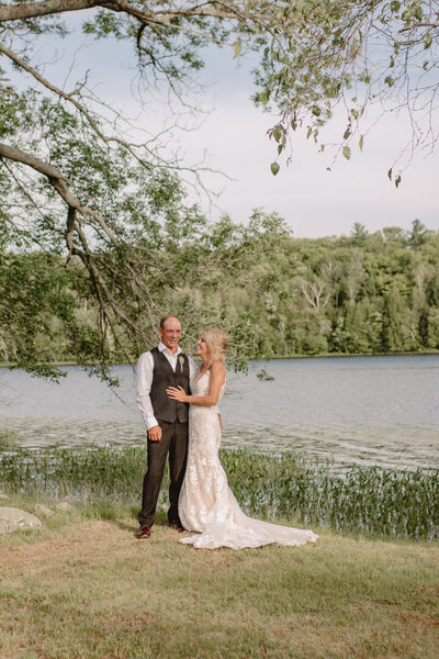 ontario-lakeside-cottage-wedding-692