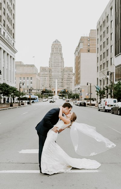 Buffalo-NY-wedding-Hotel-Lafayette-Anamoly-Photographer-9