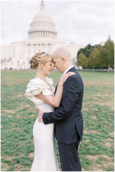 Wedding in Washington DC. Portrait at the Capitol.
