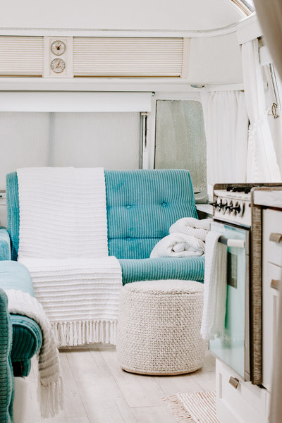 Shop our fave throw blankets in an RV  | DESIGN THE LIFE YOU WANT TO LIVE | Lynneknowlton.com |
