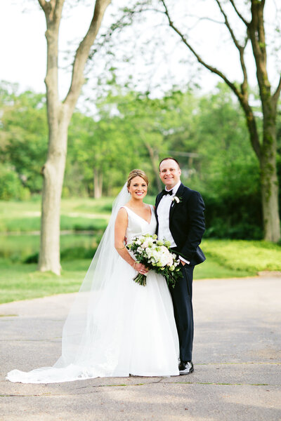 Bride-and-Groom-Skokie-Country-Club-Glencoe