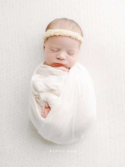 white-neutral-style-newborn-baby-girl-photo-san-diego-carlsbad