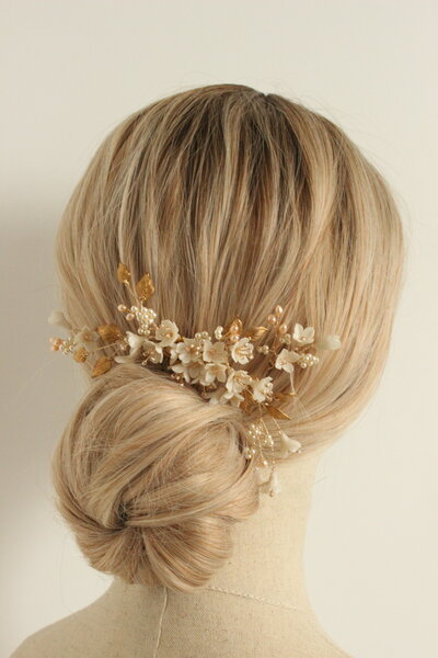 Bride Amber floral comb and hair pin set in gold and blush 18
