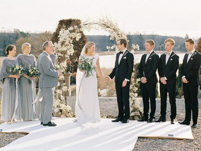 Outdoor-winter-wedding-Hedenlunda-Slott-Sweden-23-768x576