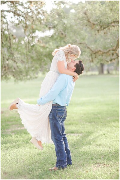 A-beautiful-puppy-love-filled-engagement-session-at-the-Evermore-in-Edna-Texas_0036