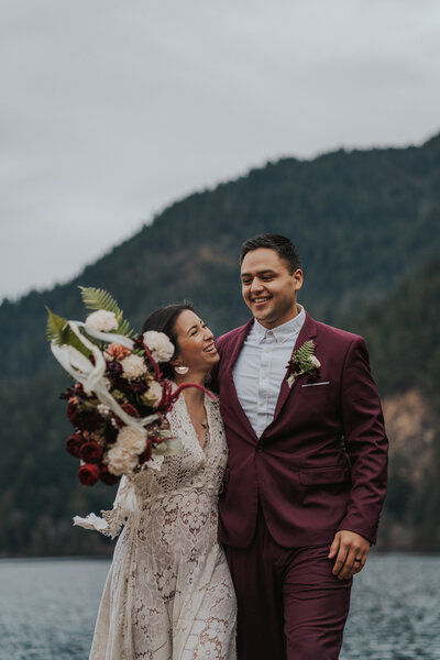 Washington Elopement Photographer Beyond the Pines Photography