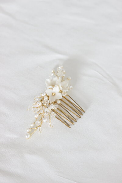 Hayley's bespoke floral comb with pearls and crystals in gold 4