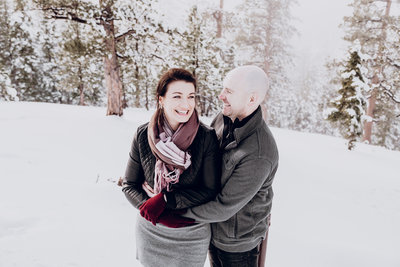 Lake Tahoe wedding photos couple embraces in the snow