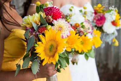 rustic-sunflowers-bouquets