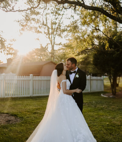 small, intimate wedding photography