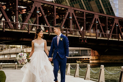 chicago-river-walk-wedding-031
