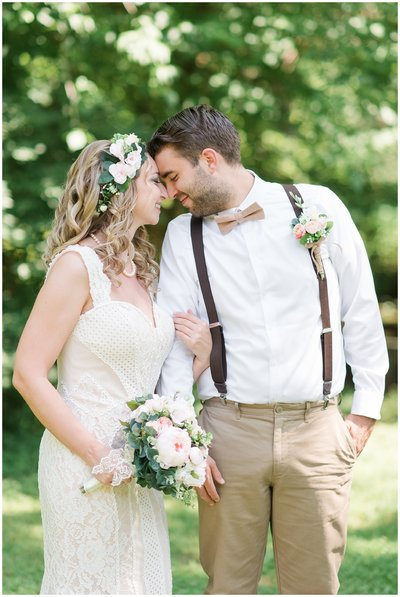 aldie-mill-rustic-chic-greenery-outdoor-wedding-photo-northern-virginia-wedding-photographer-emily-alyssa-wedding-photo-31