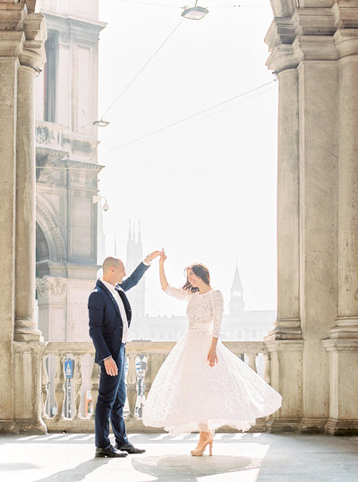 yana-schicht_como_italy-fine-art-film-wedding-photographer_duomi-di-milano-la_001